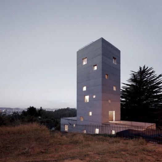 Cien House / Pezo von Ellrichshausen. Image © Cristobal Palma