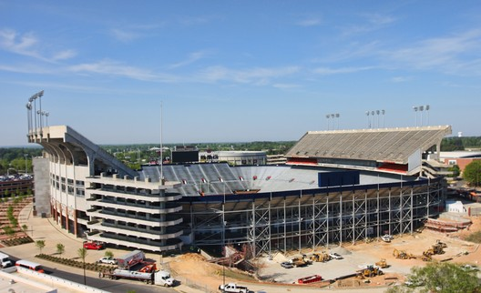 19. Jordan-Hare Stadium / Auburn, Alabama, USA. Image courtesy of flickr user australianshepherds. Licensed under CC BY-SA 2.0