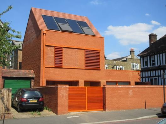 20 Ambleside Avenue, London / Pace Jefford Moore Architects. Image via Building Design
