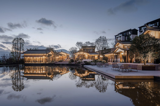 Water involvement. Image © SCHRAN Architectural Photography