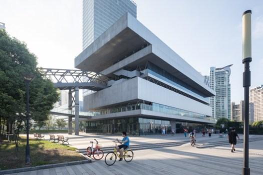 Shanghai Modern Art Museum / Atelier Deshaus. Image © Laurian Ghintiou