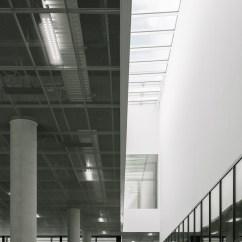 The Living Room With Sky Bar %e3%83%90%e3%82%a4%e3%83%88 Condo Design Ideas Https Www Archdaily Com 902592 Cube Kaan Architecten 2018 09 20 C Simone Bossi Jpg 1537824835