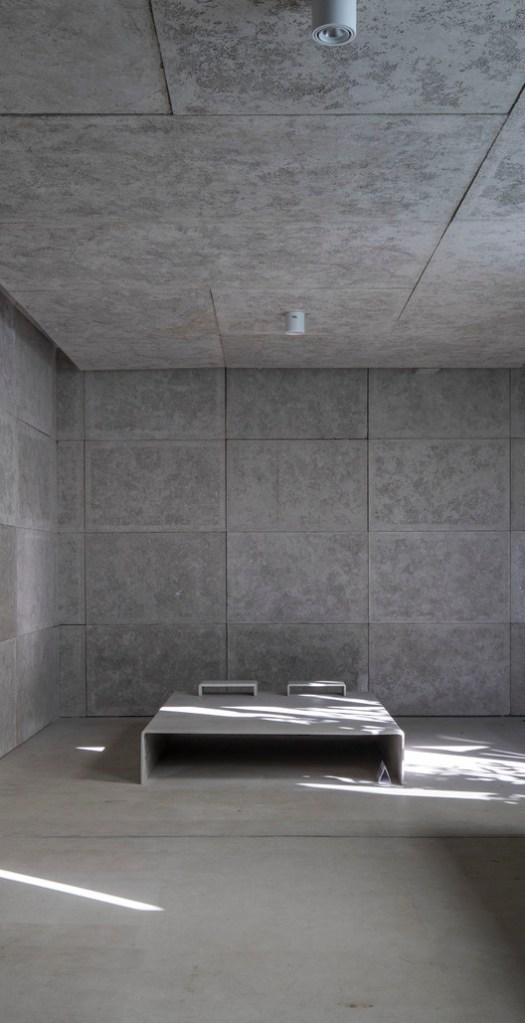Concrete Bed. Image © Fangfang Tian