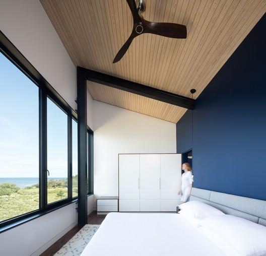 OGA_Kingsburg_0683 Treow Brycg House / Omar Gandhi Architect Architecture