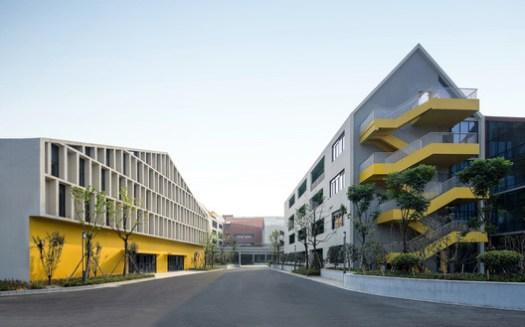 Street Space Between Buildings. Image © Shengliang Su