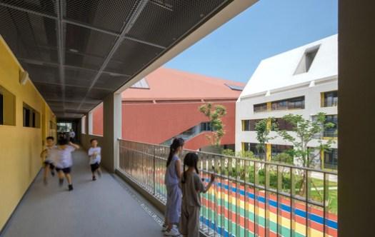 Semi-open Corridor. Image © Shengliang Su