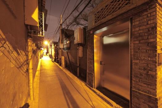 Entrance night view. Image © Jun Liu