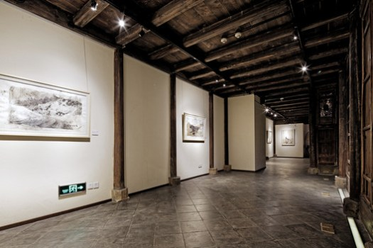 Gallery space based on the old house wing. Image © Wenjie Hu