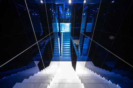 Light Reflect stairs. Image © Yixiang Wang