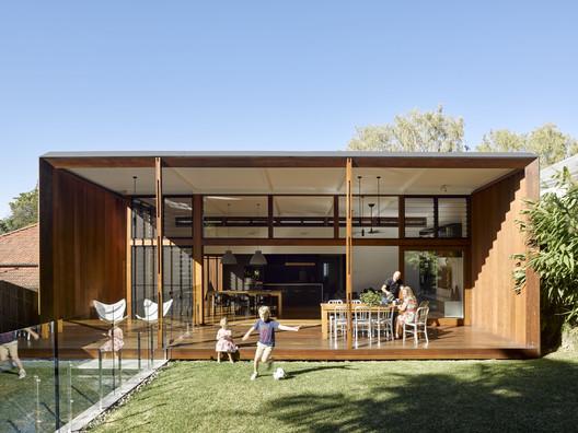 42486 Gresham Street House / Jackson Teece Architecture
