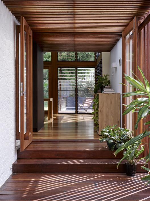 42489 Gresham Street House / Jackson Teece Architecture