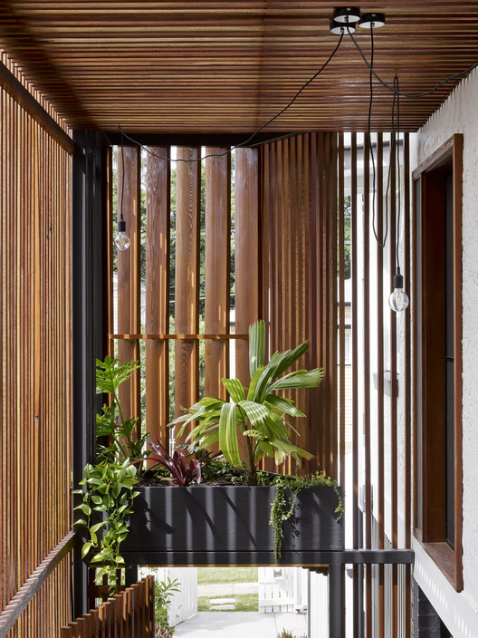 42500 Gresham Street House / Jackson Teece Architecture