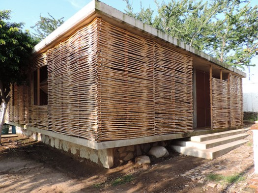 In 4 Days, 100 Volunteers Used Mud and Reeds To Build This Community Center in Mexico. Image © Pedro Bravo, Sofía Hernández, Francisco Martínez