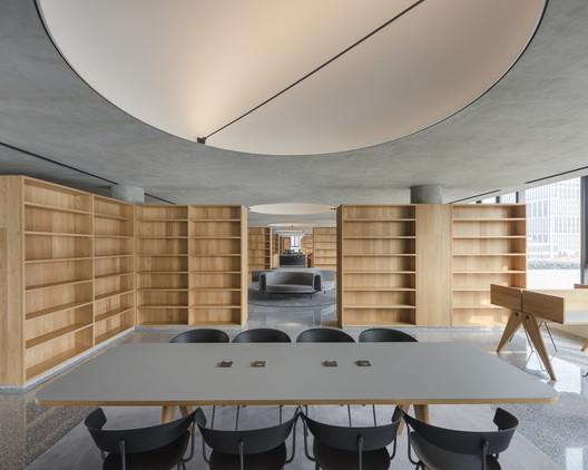 BRIDGE-447-X B Campus / AIM Architecture Architecture