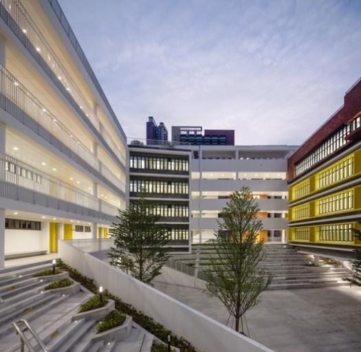 Primary School courtyards. Image © Schran Image