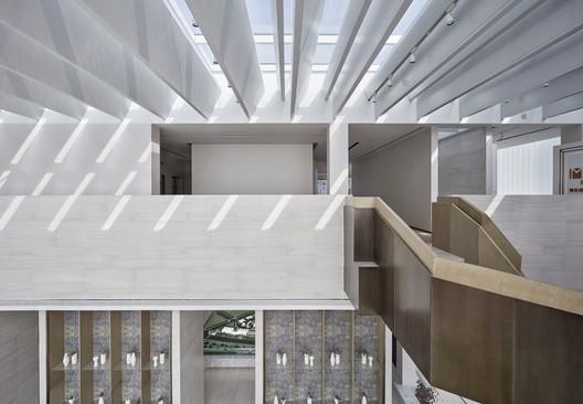 Second floor corridor space in the afternoon. Image © Jianghe Zeng