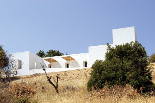 House in Boliqueime. Image Courtesy of bak gordon arquitectos