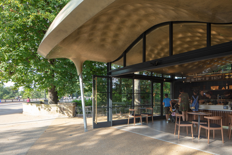 The Serpentine Coffee House. Image © Luke Hayes