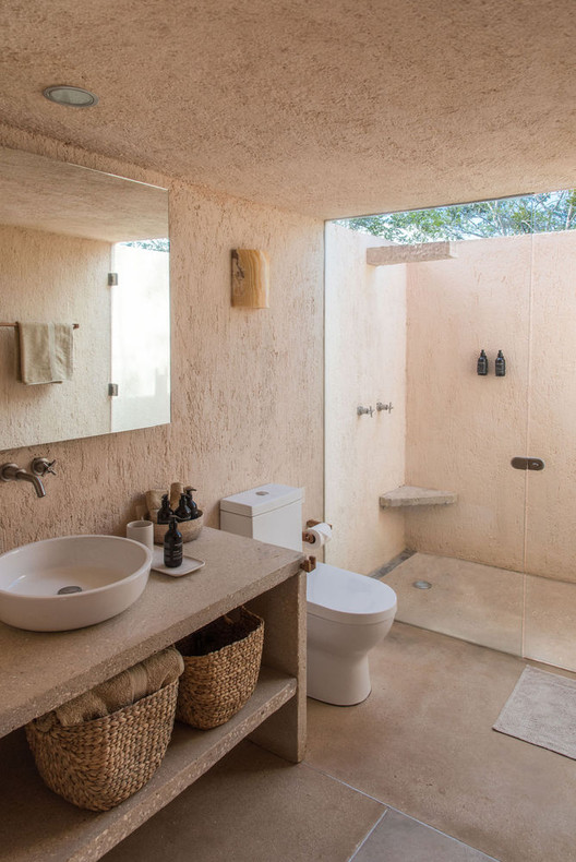 https www archdaily com 924998 walk in showers without doors or curtains design tips and examples