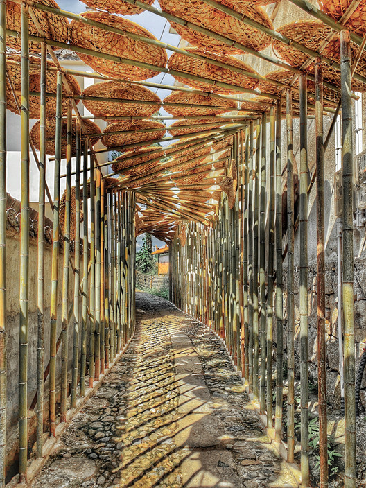 Hat corridor. Image © Gang Xiang