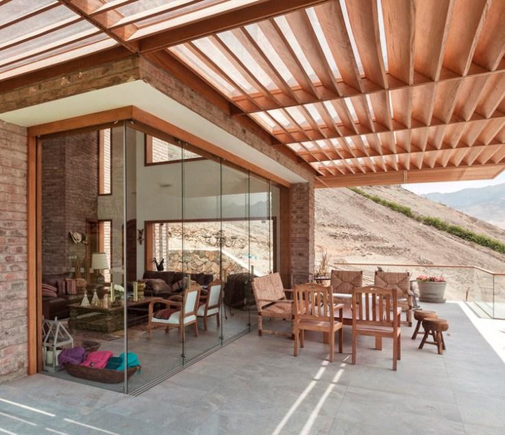 Casa en Azpitia / Estudio Rafael Freyre.  Image © Edi Hirose