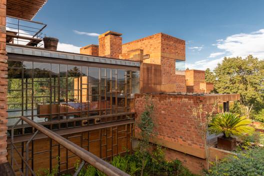 Barranca Valle Houses / Taller de Arquitectura X / Alberto Kalach + Iván Ramírez. Image © Jaime Navarro