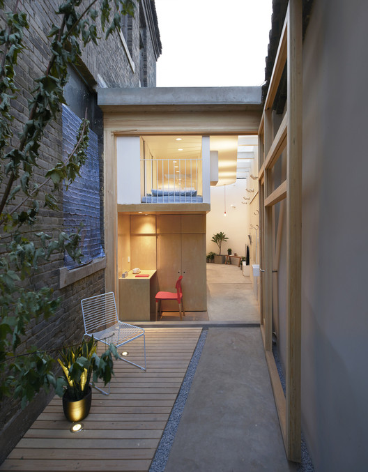 Dengshikou Hutong Residence / B.l.U.E. Architecture Studio. Image © Ruijing Photo