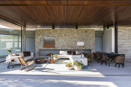 Casa das Pedras / Hueb Ferreira Arquitetos. Image © Maíra Acayaba