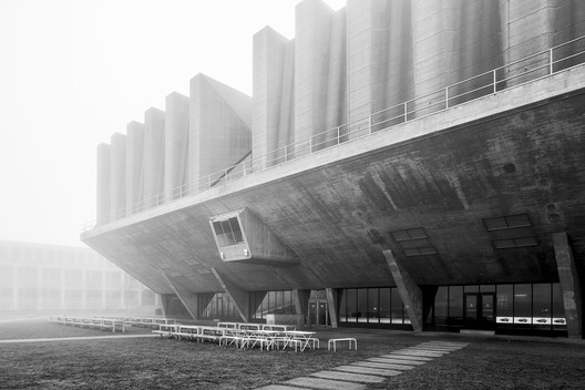 Delft University of Technology Lecture Hall, Johannes Van den Broek and Jaap Bakema. Image © Stefano Perego