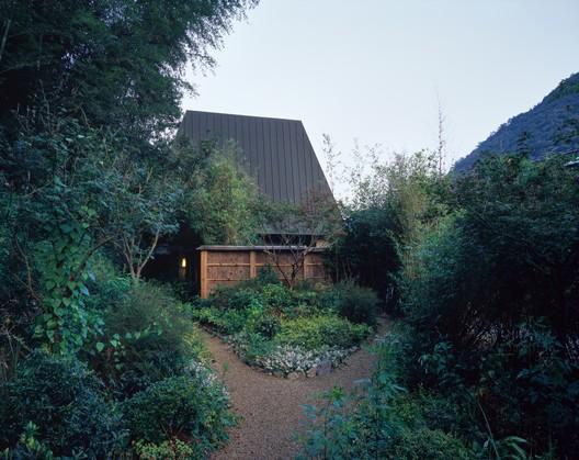 Outer garden. Image © Hao Chen