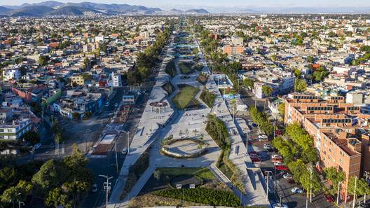 Linear park regenerates Mexico City's historic Grand Canal. © Onnis Luque