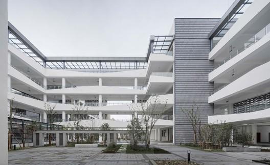 center courtyard. Image © Wei Qin