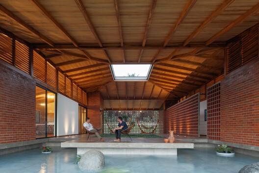 The House of Silence / Natura Futura Arquitectura. Image © Lorena Darquea