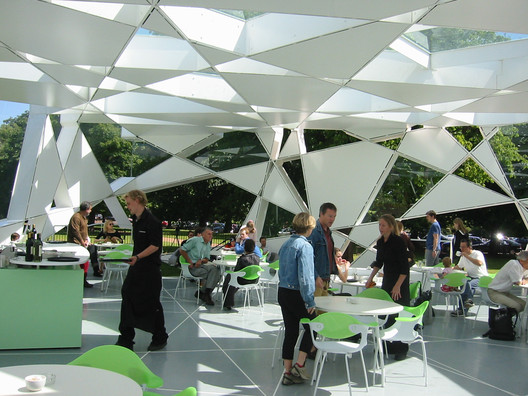 Serpentine Gallery Pavilion. Image Courtesy of Toyo Ito & Associates, Architects