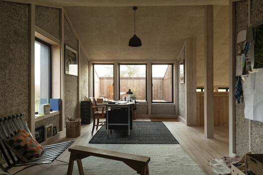 Flat House / Practice Architecture + Material Cultures. Image © Oskar Proctor