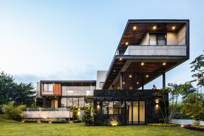 Kaleth House / Di Frenna Arquitectos. Image © Oscar Hernández