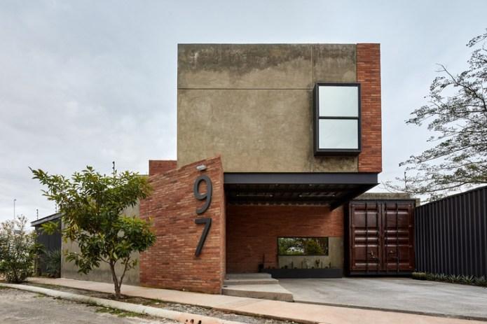 97 House / César Solórzano arquitectos. Image © Aldo Gracia
