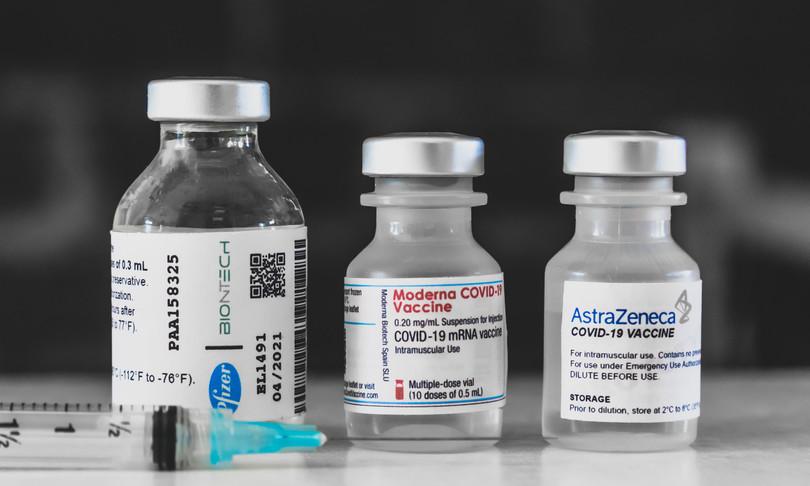 astrazeneca come funziona il vaccino