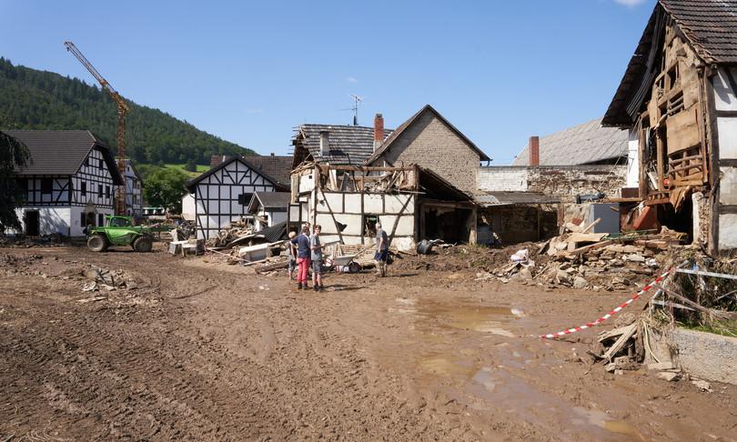 alluvione germania merkel accelerare politiche ambiente