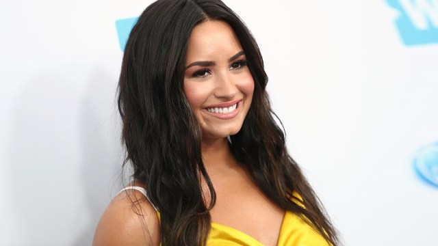 demi lovato who lives well with bipolar disorder