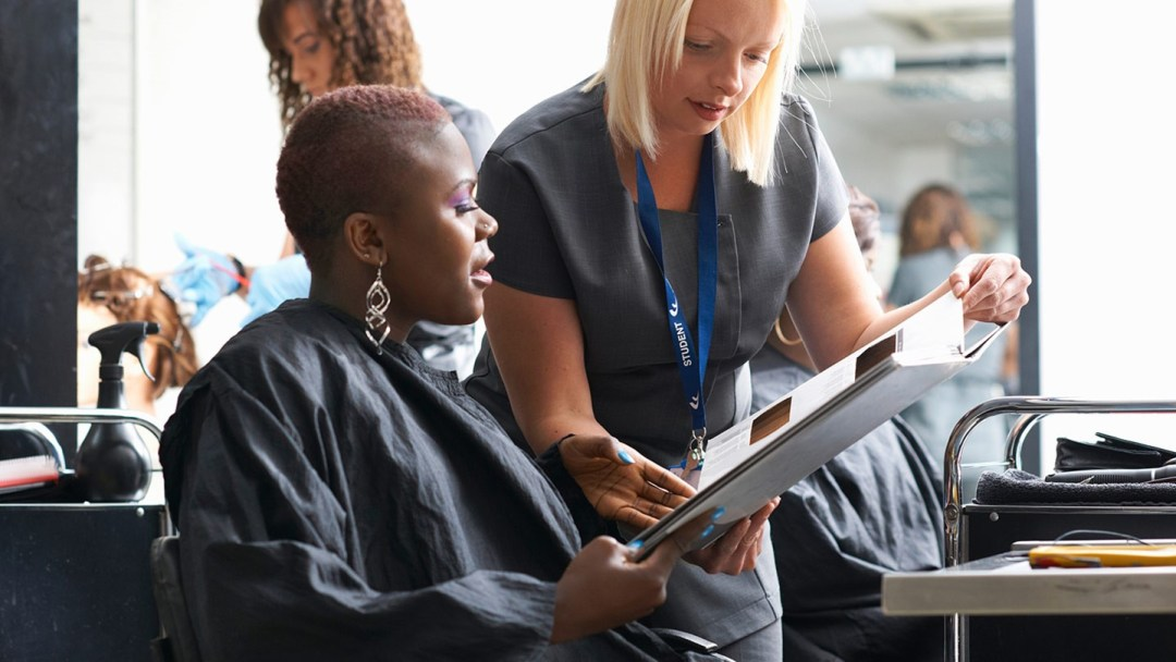 Could Certain Hair Dyes, Relaxers Raise Breast Cancer Risk?