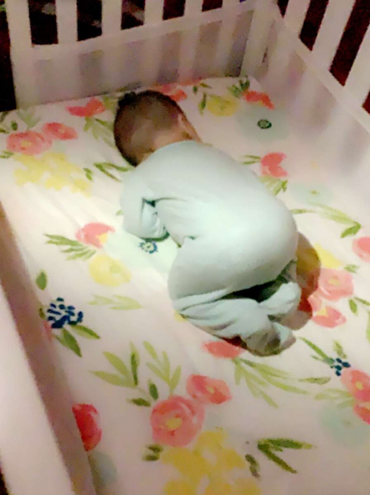 Baby Sleeping Up On Knees : sleeping, knees, Anybody's, Sleep, This?, November, Babies, Forums, Expect