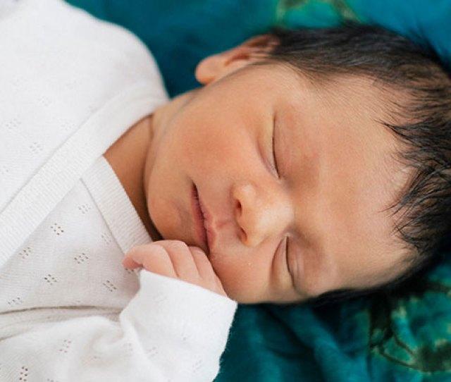 Sleeping Newborn Baby Newborn And Baby Sleep Basics