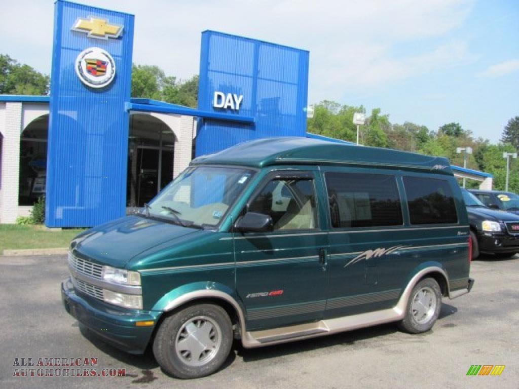 hight resolution of 2000 astro ls awd passenger van dark forest green metallic neutral photo 1