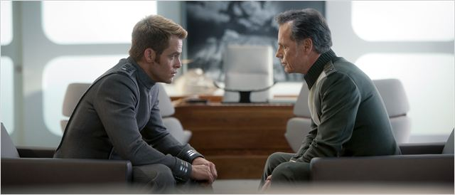 Star Trek Into Darkness : Photo Bruce Greenwood, Chris Pine