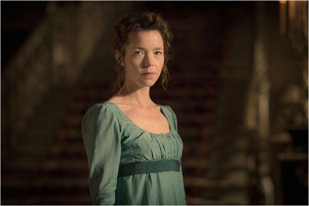 Elizabeth (Anna Maxwell Martin)