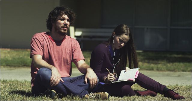 States of Grace : Photo John Gallagher Jr., Kaitlyn Dever