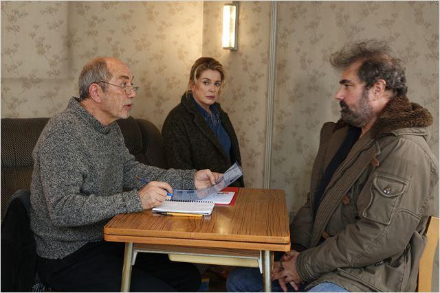 Dans la cour : Photo Catherine Deneuve, Féodor Atkine, Gustave Kervern
