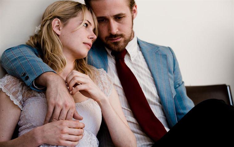 Cindy (Michelle Williams) et Dean (Ryan Gosling) sont désormais mariés. Le début de la fin...