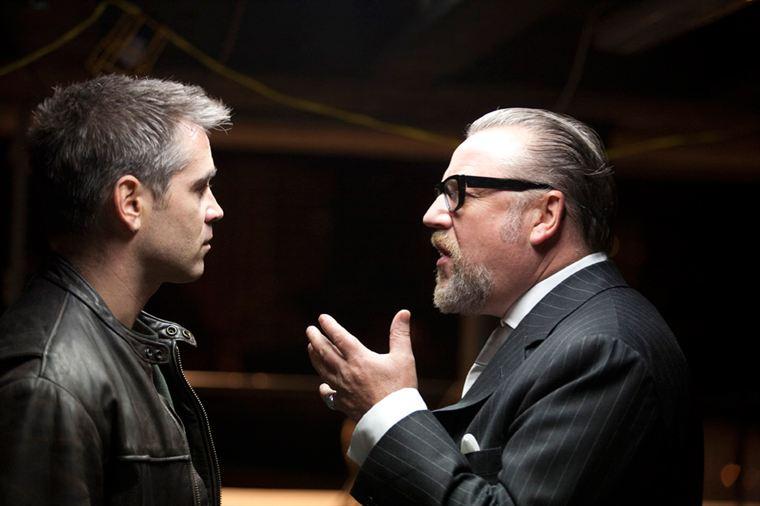 Bien malgré lui, Mitchel (Colin Farrell) doit obéir au puissant Gant (Ray Winstone)
